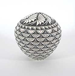#232 ~ Victorino - Incised Pot with Fan Detailing